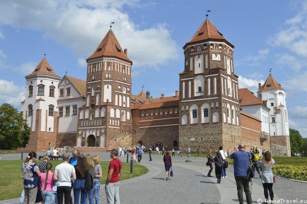 Minsk Belarus Schloss Mir by ReiseTravel.eu