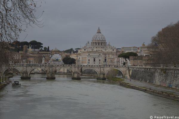Tiber Vatikanstadt Vatikanstaat Heiliger Stuhl by ReiseTravel.eu