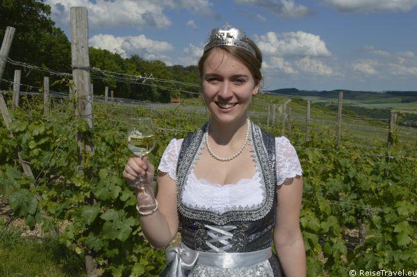 Laura Behringer Weinkönigin Liebliches Taubertal