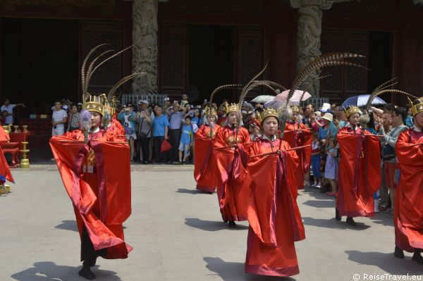 Tänzer Konfuzius aus Qufu in China,